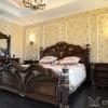 Ліжка з дуба: вишуканість і довговічність