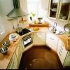 Маленький кухонний стіл для маленької кухні