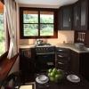 Кутовий кухонний гарнітур для маленької кухні фото