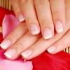 Зміцнюємо нігті домашніми засобами